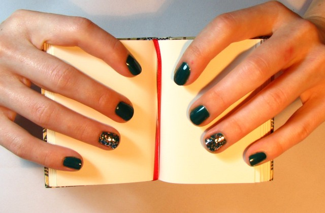 The Living Daylights - feature nails!