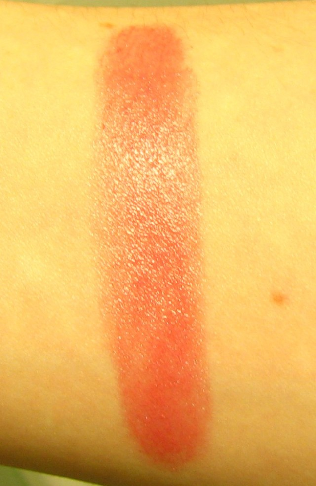 Chanel rouge Coco Charme swatch