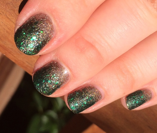 Forest camouflage manicure