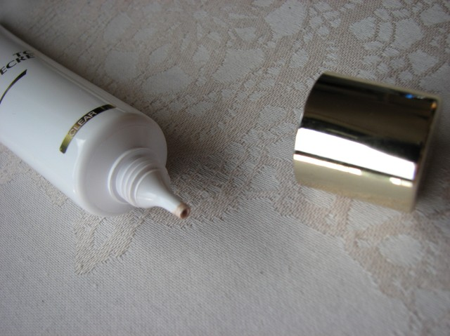 YSL BB Creme in Clear Review Swatch