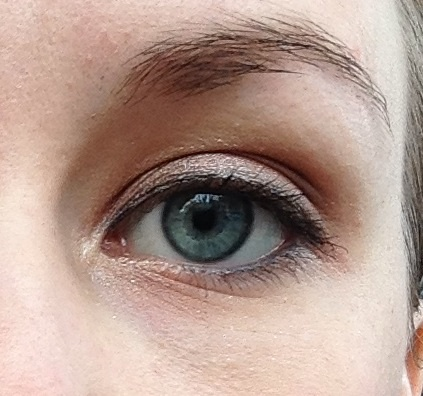 Wedding guest eye look