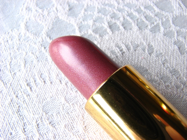 Revlon Legacy Icy Violet, Revlon Gucci Westman Carnival Spirit, Revlon SuperLustrous Pink Sizzle lipsticks review and swatches