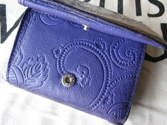 A Gold purse.